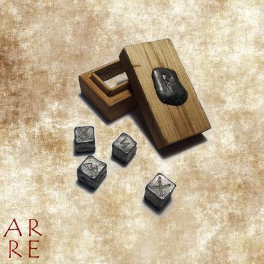 Set dobbelstenen met runen